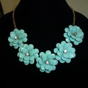 J. CREW BLUE FLOWER BIB NECKLACE